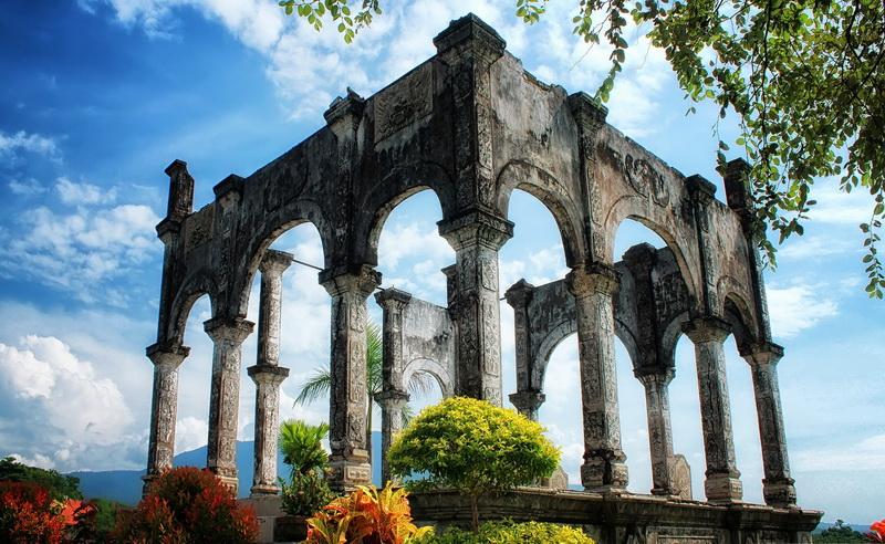 Istana Air Taman Ujung Karangasem