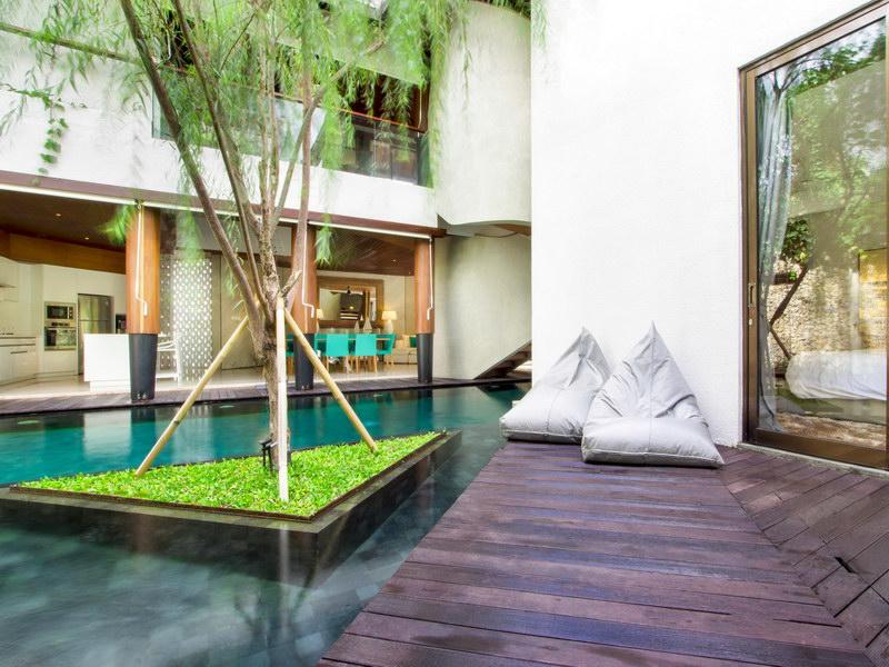 villa summer 1534478285 big
