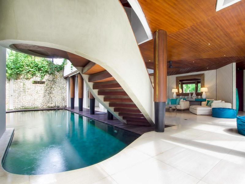 villa summer 1534478311 big