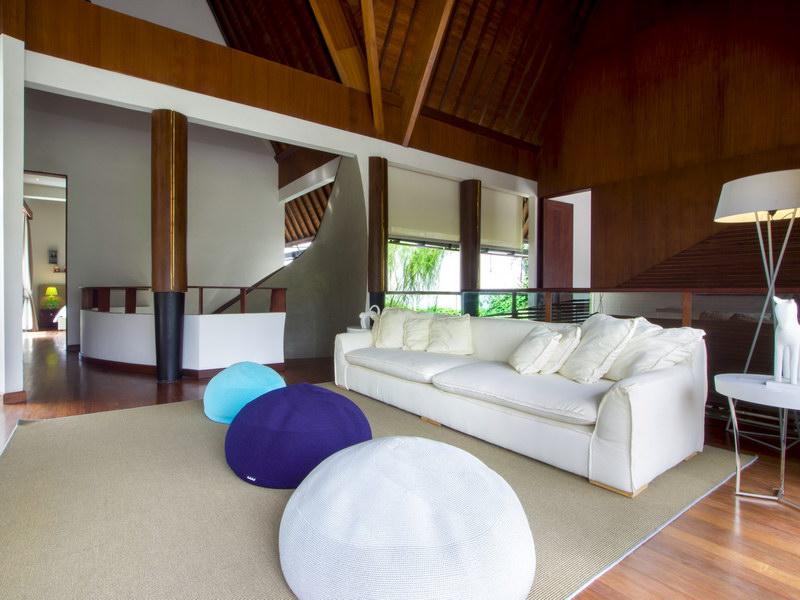 villa summer 1534478623 big