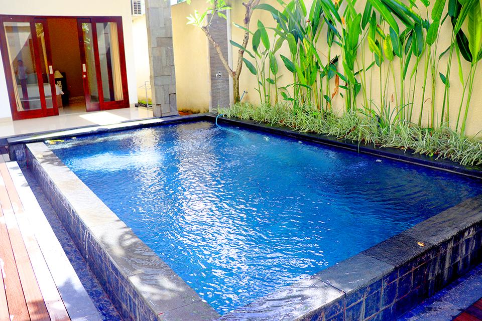 2 Villa dengan 3 Kamar Tidur dan Private Pool di Kerobokan