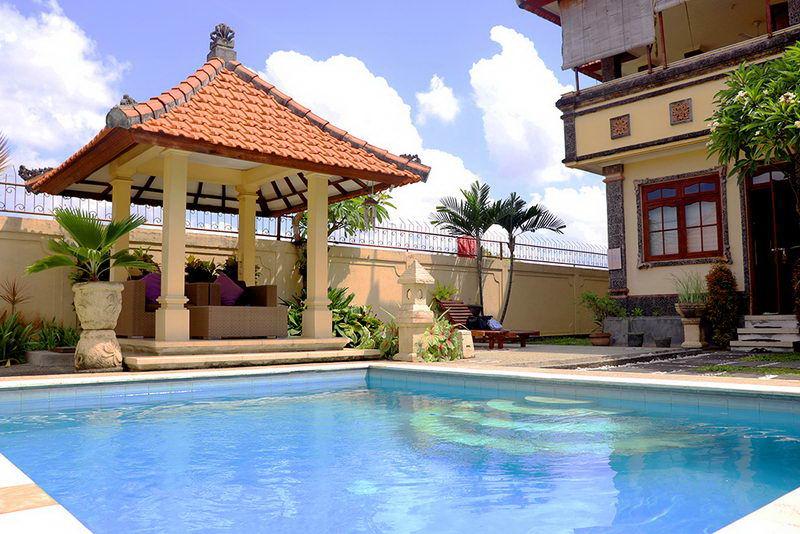 Villa  5 Kamar dengan Private Pool untuk 15-20 Orang
