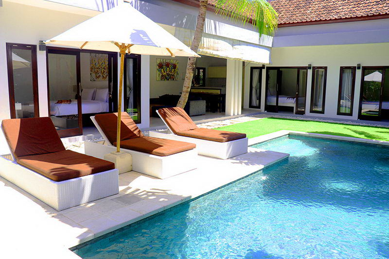 Villa 3 Kamar dengan Kolam Renang di Pusat Seminyak